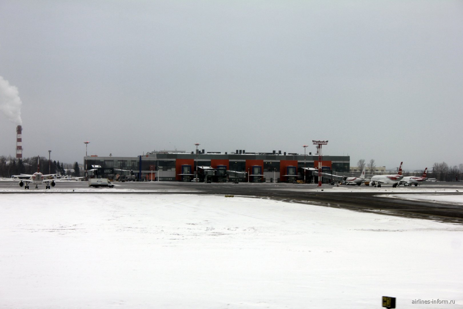 Терминал C аэропорта Москва Шереметьево со стороны перрона