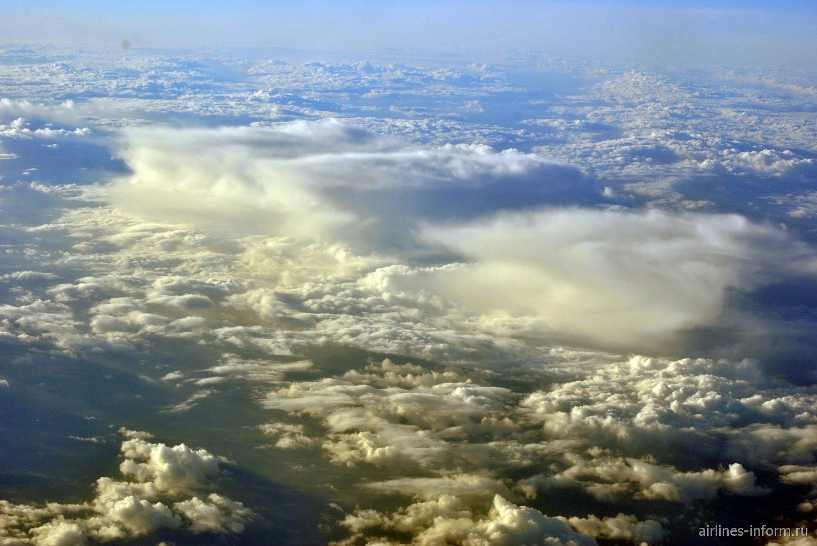 Красивая облачность над Францией