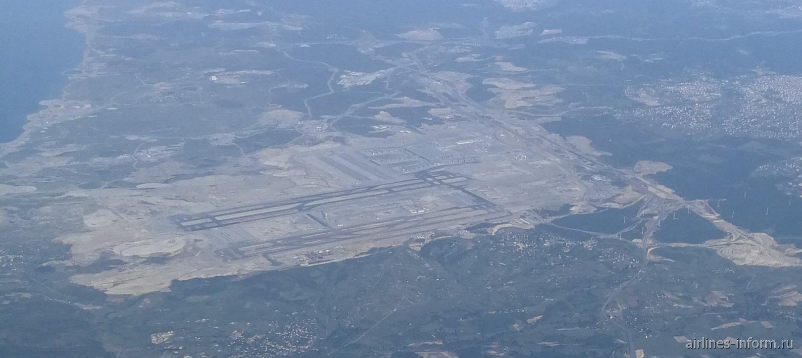Вид из самолета на строящийся новый аэропорт Стамбула