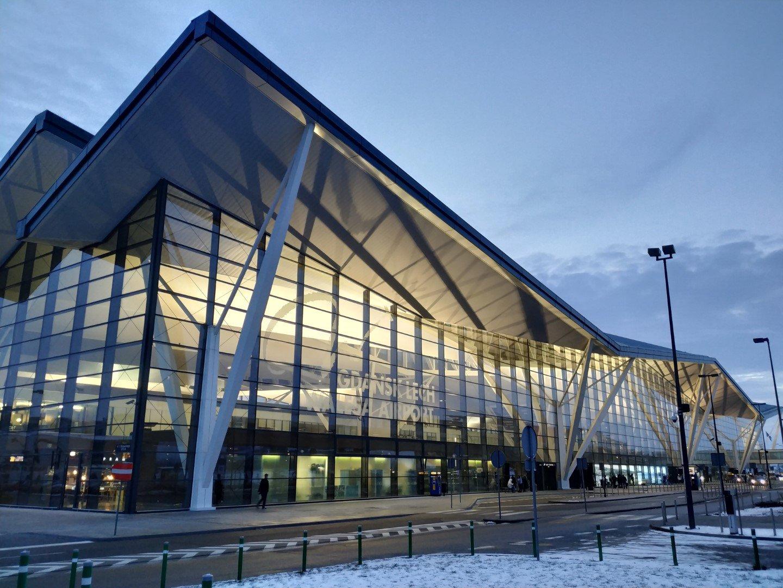 Пассажирский терминал аэропорта Гданьск имени Леха Валенсы