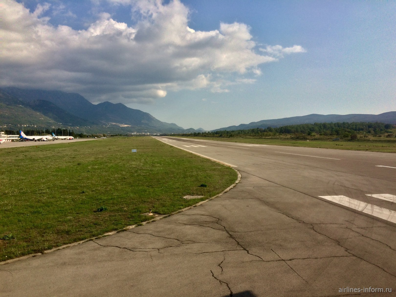 Взлетно-посадочная полоса аэропорта Тиват