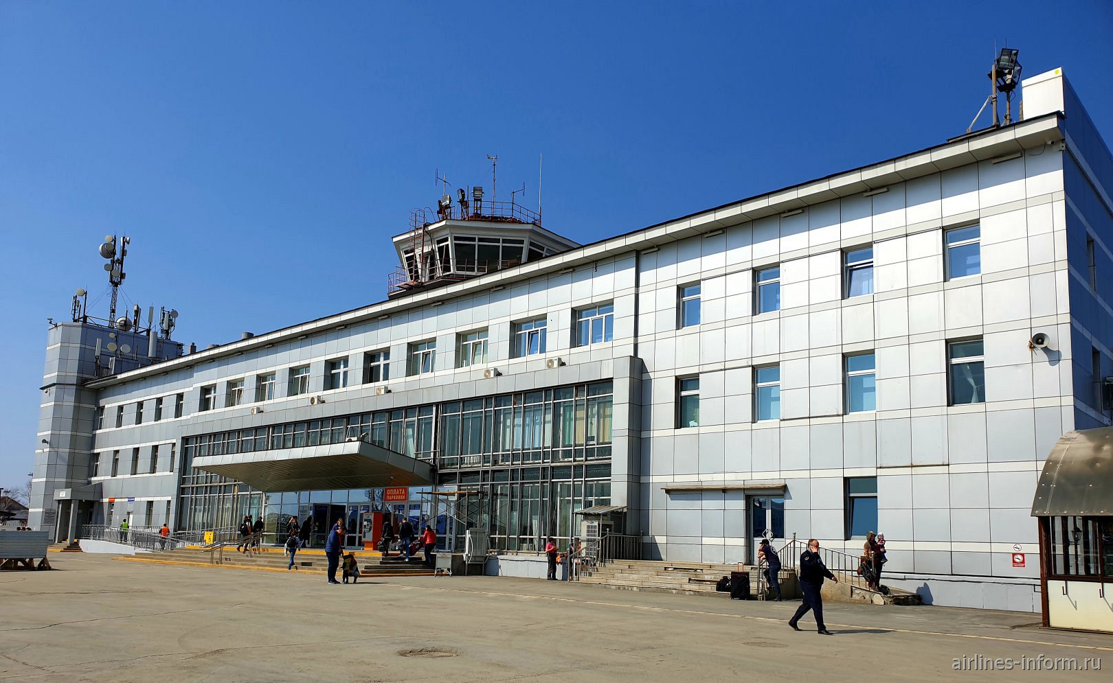 Старый аэровокзал аэропорта Южно-Сахалинск Хомутово