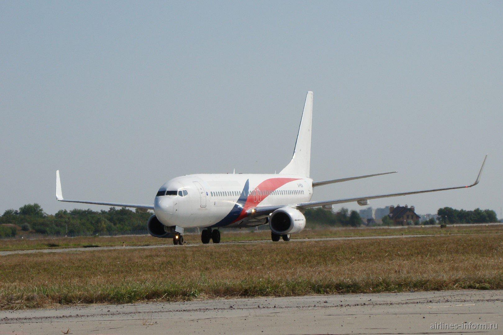 Boeing 737-800 UR-SQA авиакомпании SkyUp в аэропорту Харьков