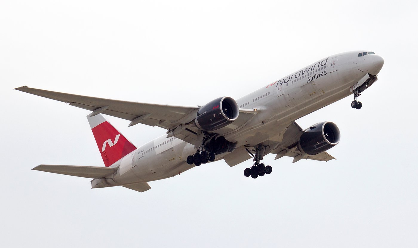 Взлет Боинга-777-200 VP-BJG авиакомпании Nordwind Airlines
