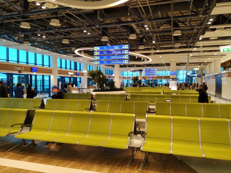 Зал ожидания в чистой зоне аэропорта Кишинев