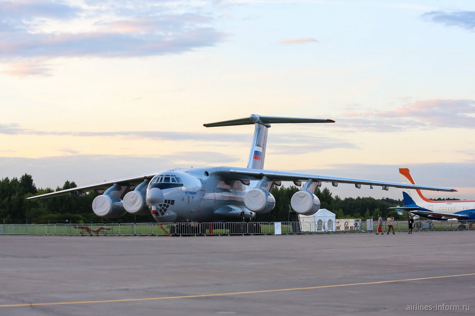Самолет Ил-76МД-90 на авиасалоне МАКС-2017