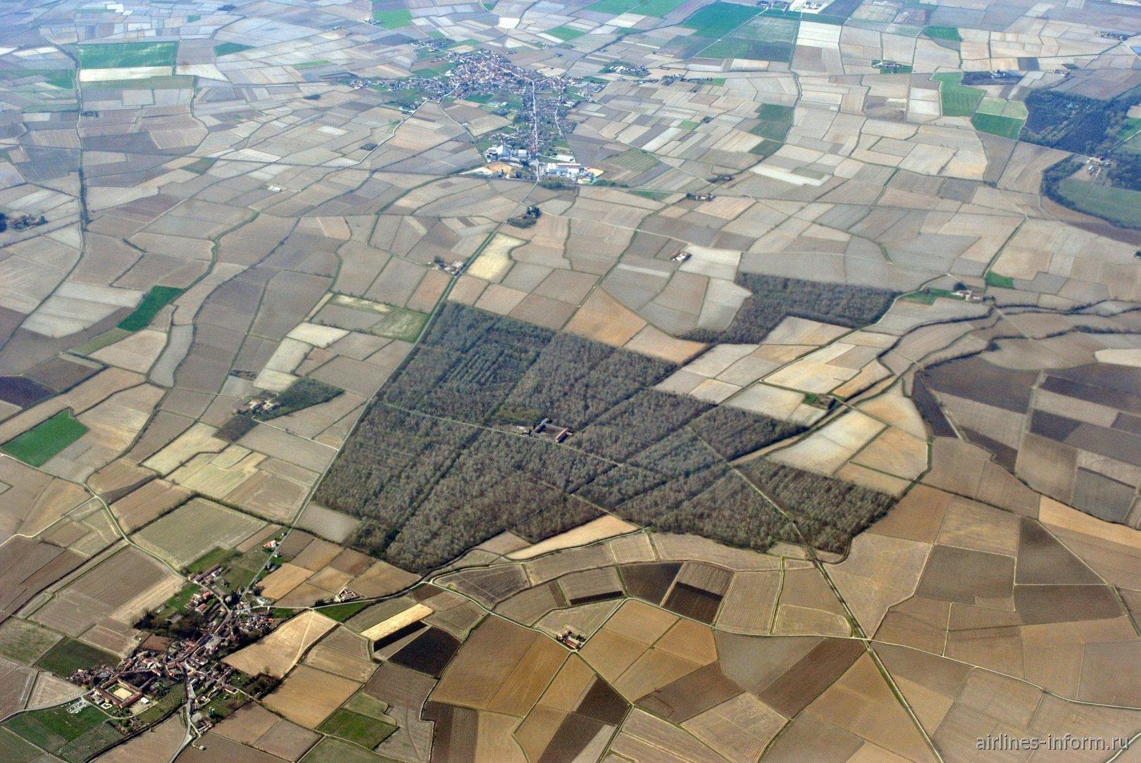 Посёлок Семиана и расположенный близ него лесной массив на севере Италии