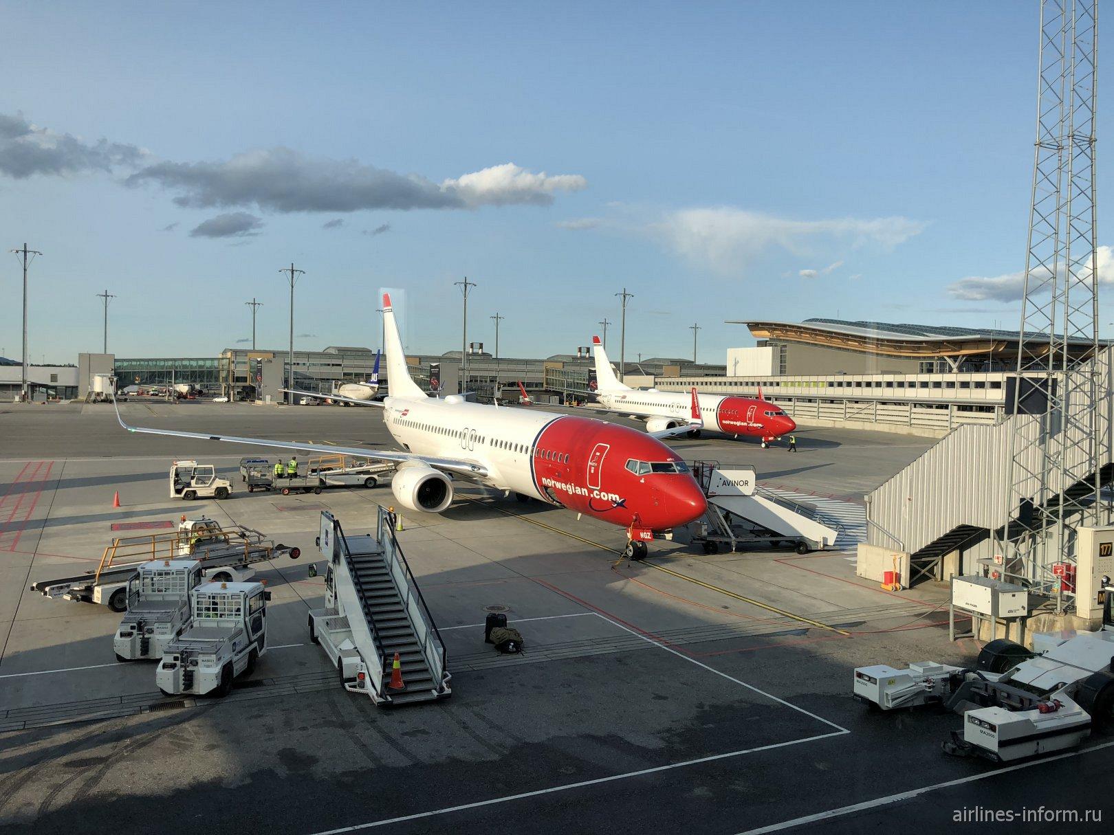 Самолеты Боинг-737-800 авиакомпании Norwegian в аэропорту Осло Гардермуэн