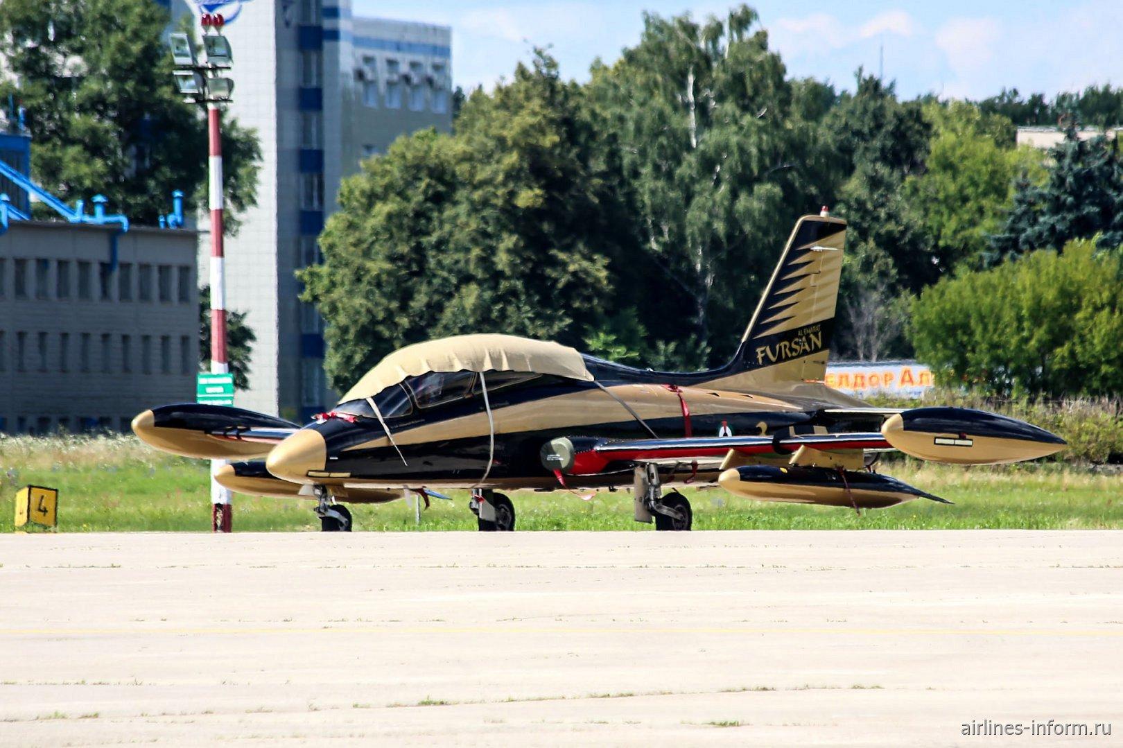Самолет Aermacchi MB-339 пилотажной группы