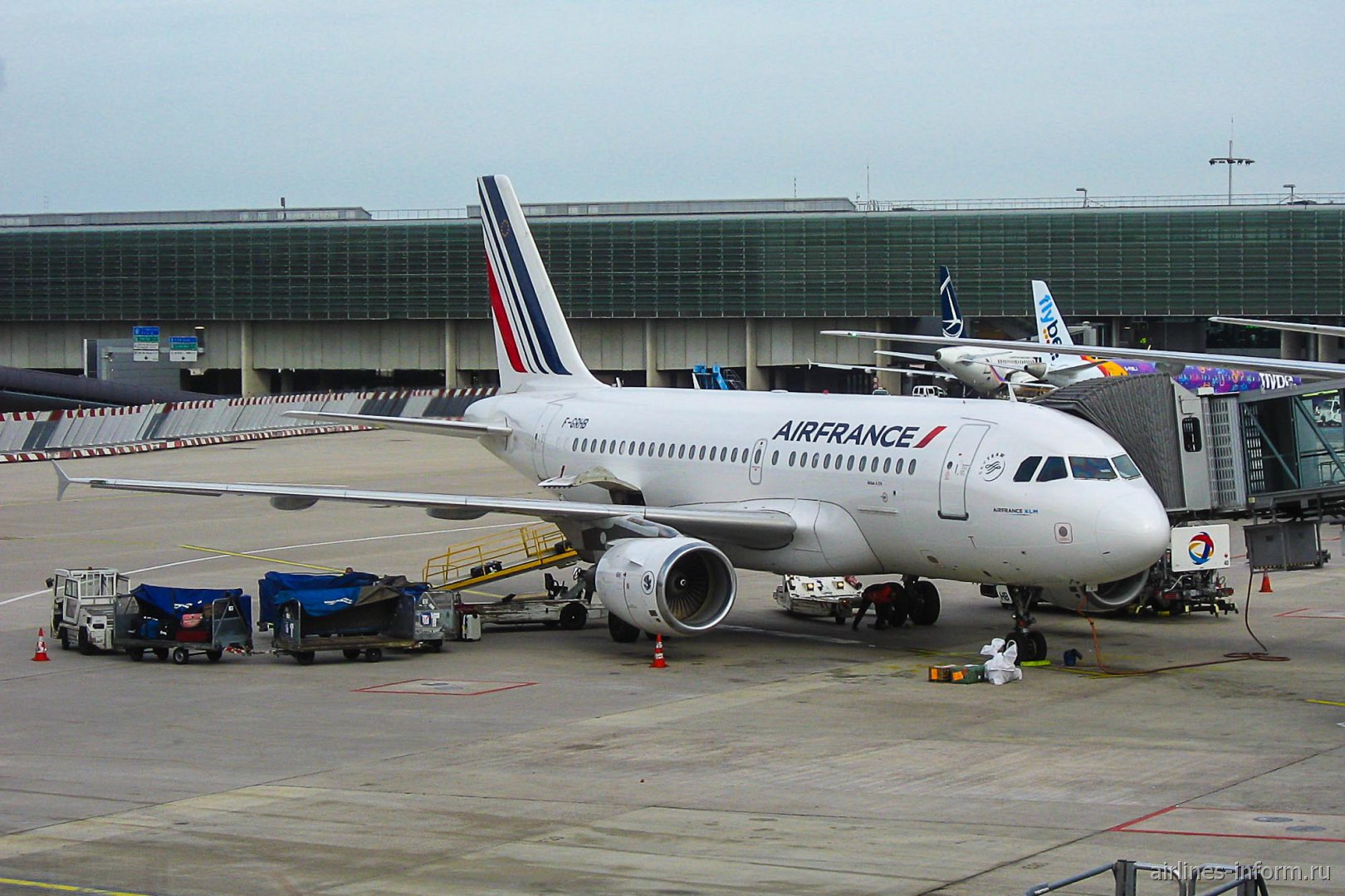 Airbus A319 F-GRHB авиакомпании Air France в аэропорту Париж Шарль-де-Голль