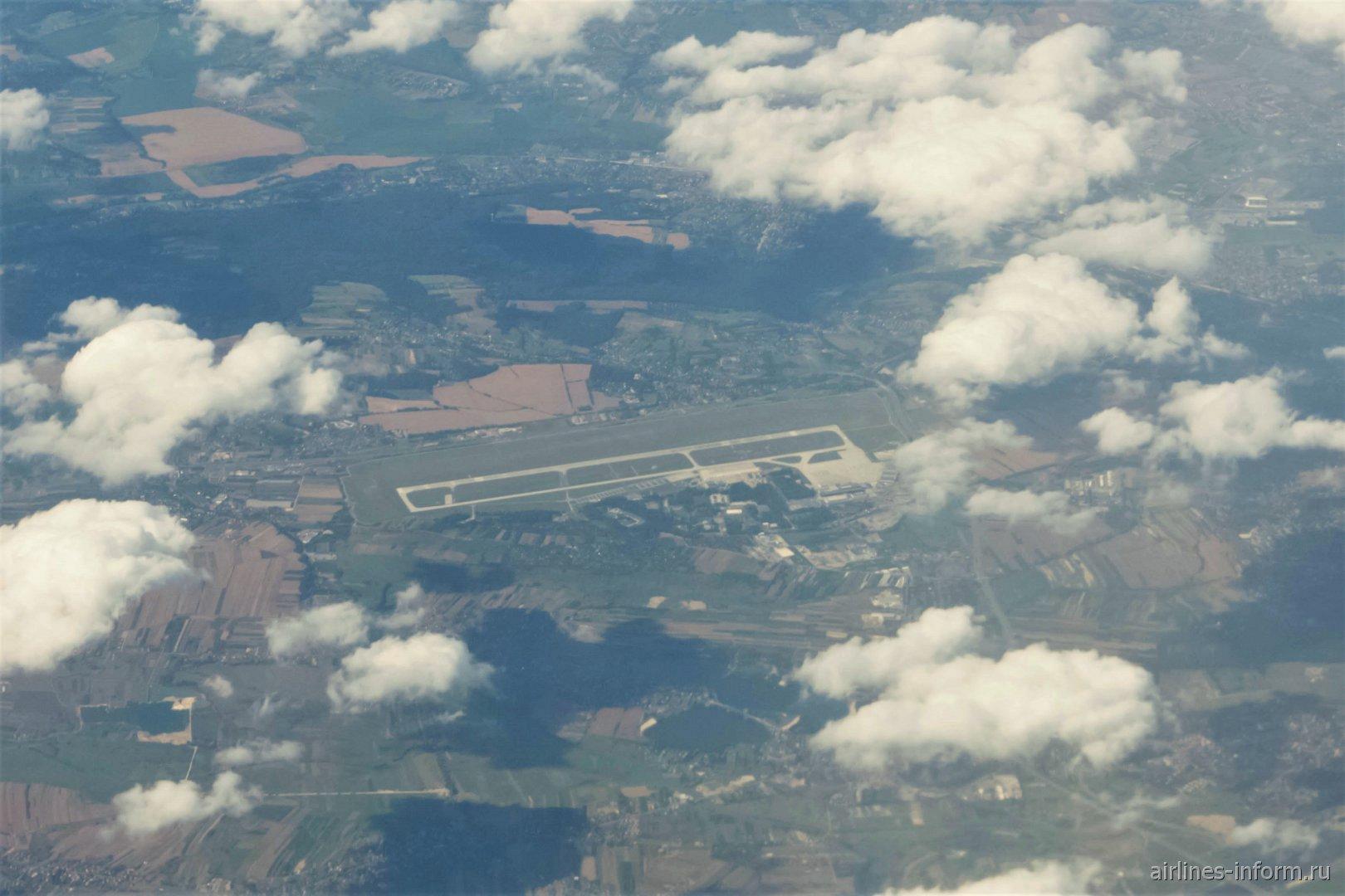 Вид сверху на аэропорт Краков