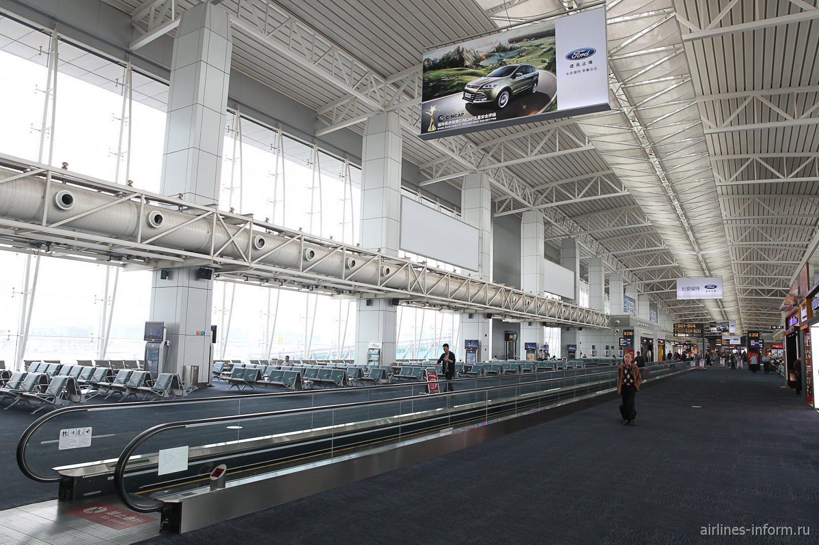 В зоне вылетов внутренних рейсов аэропорта Гуанчжоу Байюнь