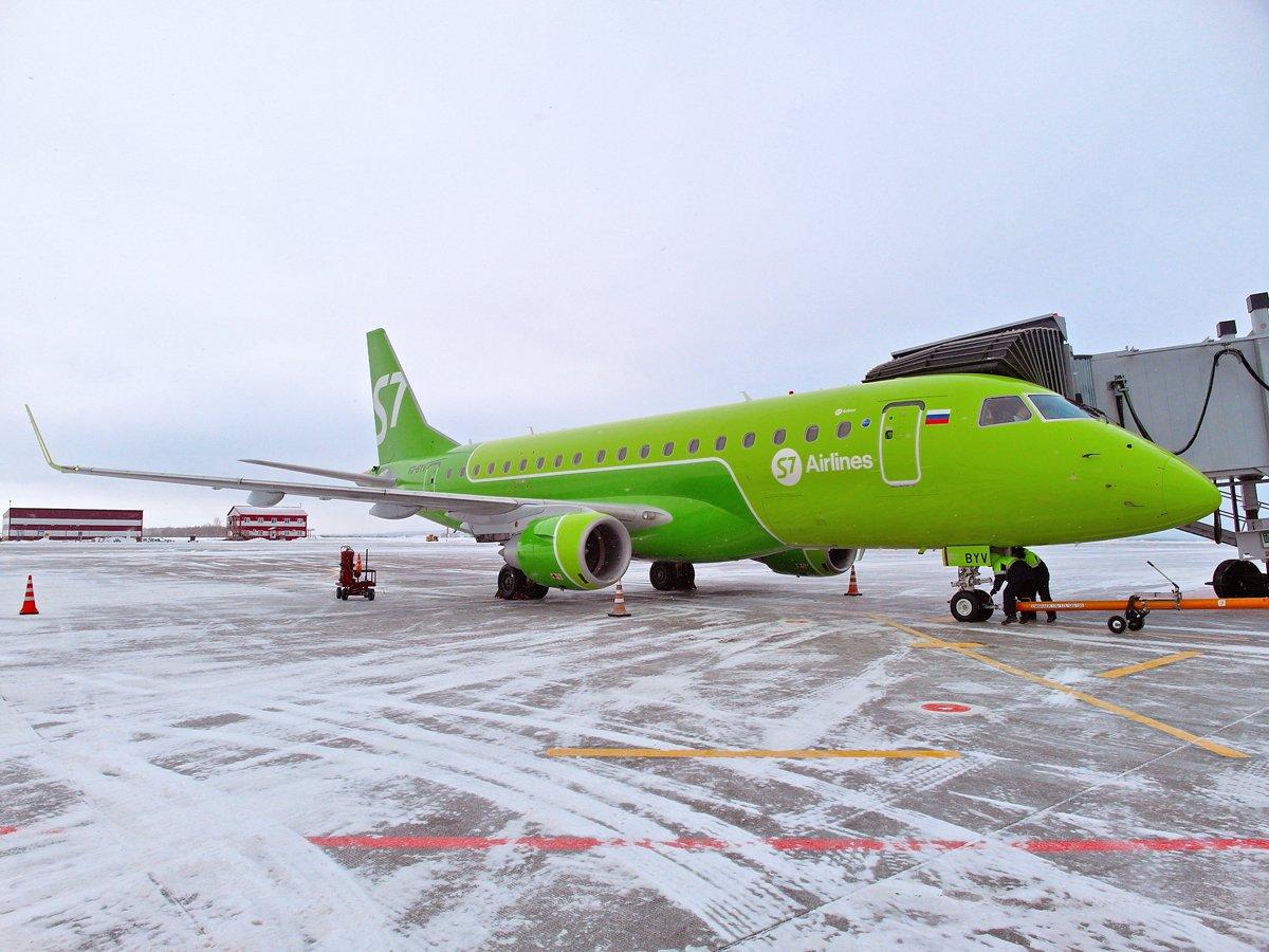 Эмбраер-170 авиакомпании S7 Airlines в аэропорту Уфа