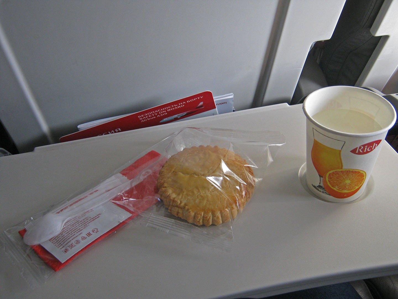 Питание на рейсе Санкт-Петербург-Москва авиакомпании