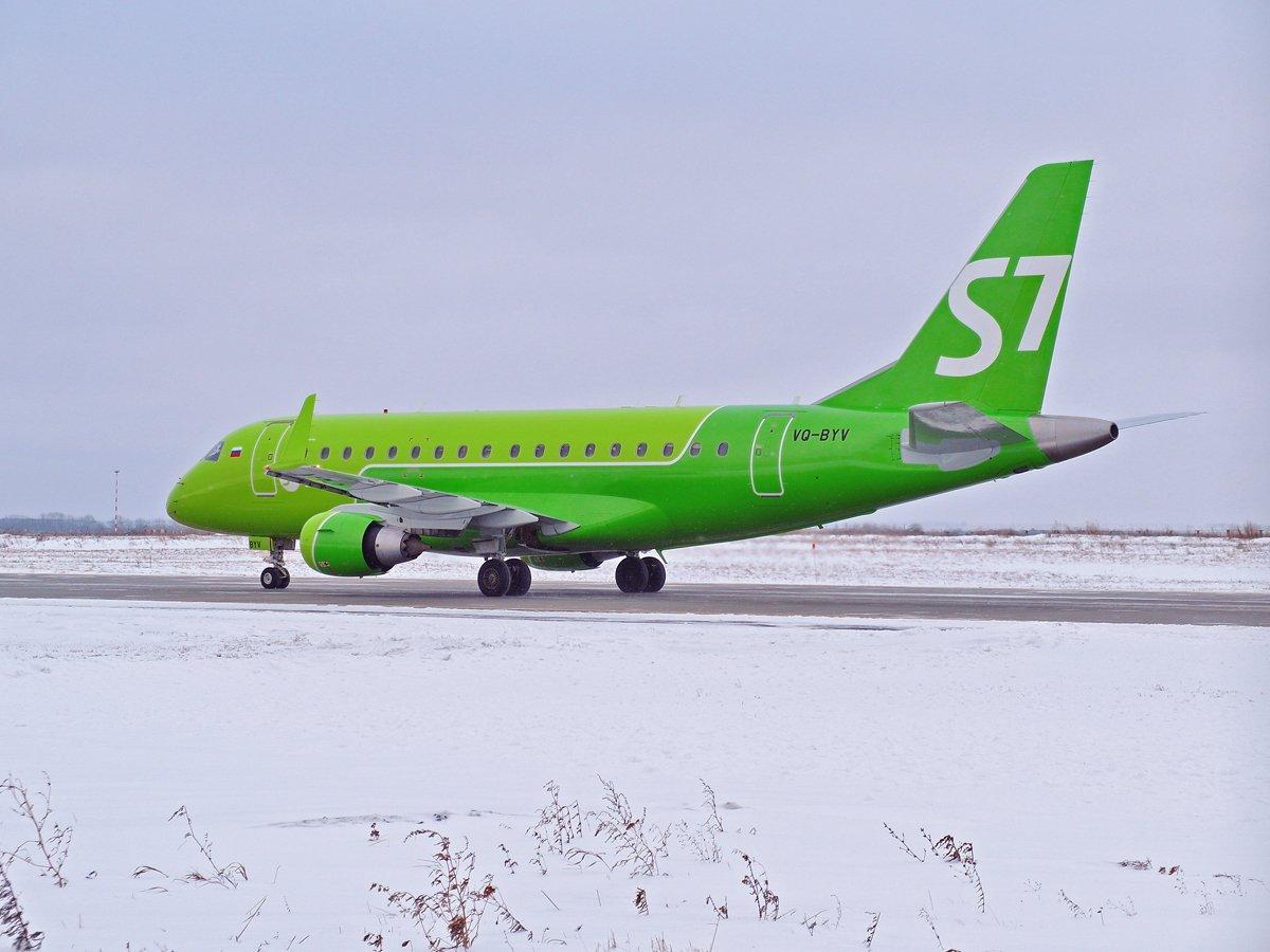Embraer 170 VQ-BYV авиакомпании S7 Airlines в аэропорту Уфа