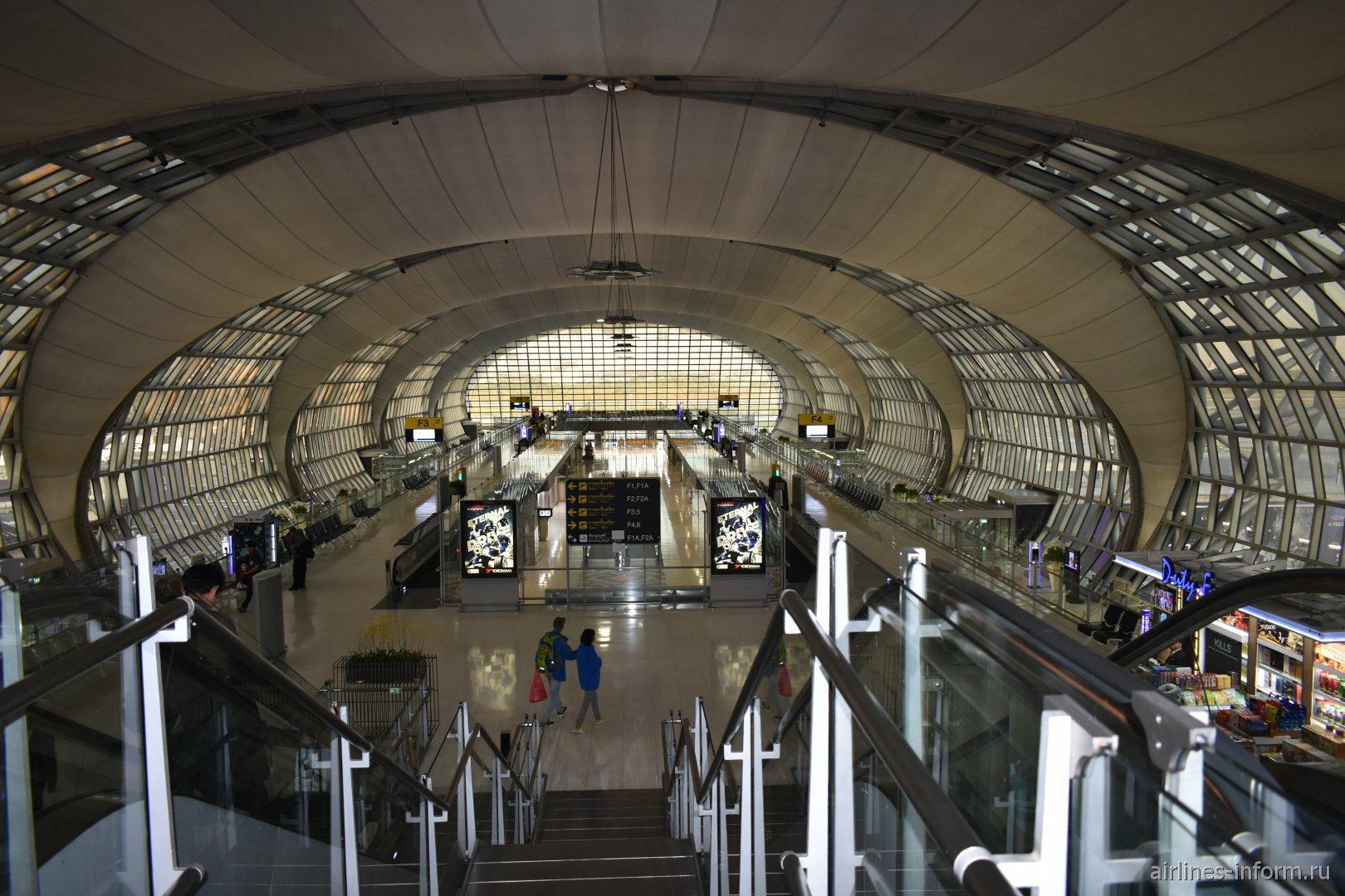 Гейты в конкорсе F аэропорта Бангкок Суварнабуми