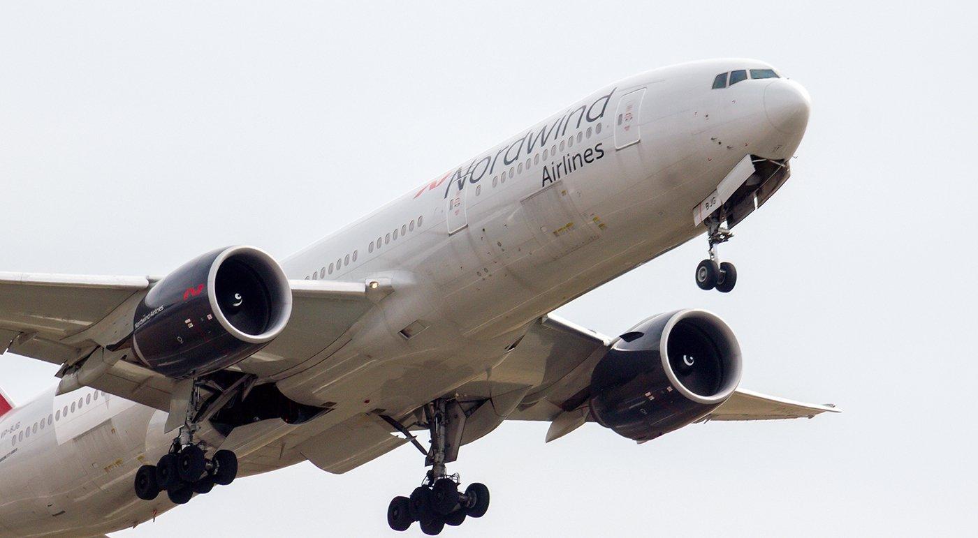 Взлет Боинга-777-200 авиакомпании Nordwind