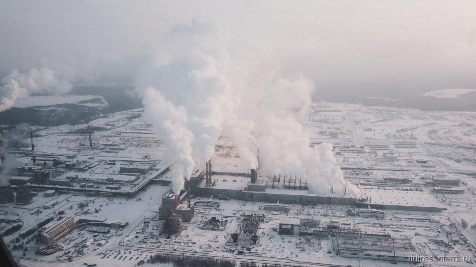 В полете над Усть-Илимским целлюлозным заводом