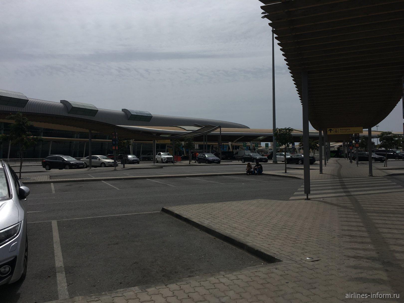 Пассажирский терминал аэропорта Фару