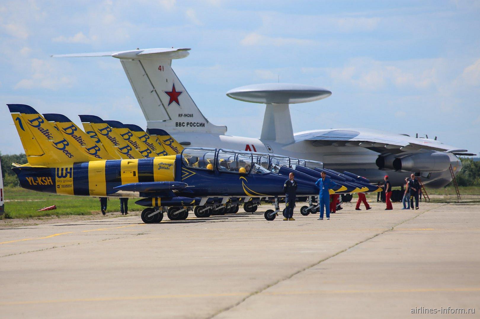 Самолеты L-39 пилотажной группы