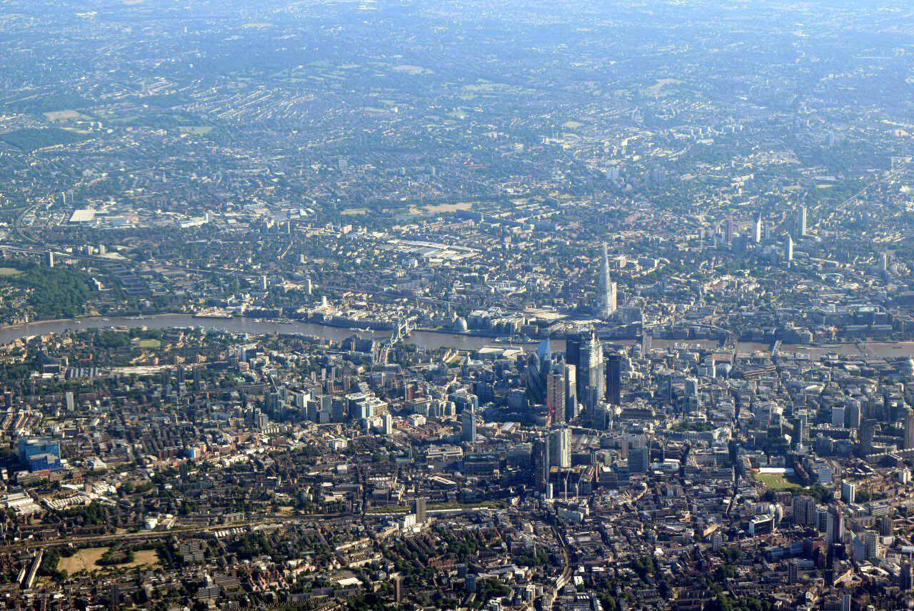 Вид на центр Лондона перед посадкой в аэропорту Хитроу