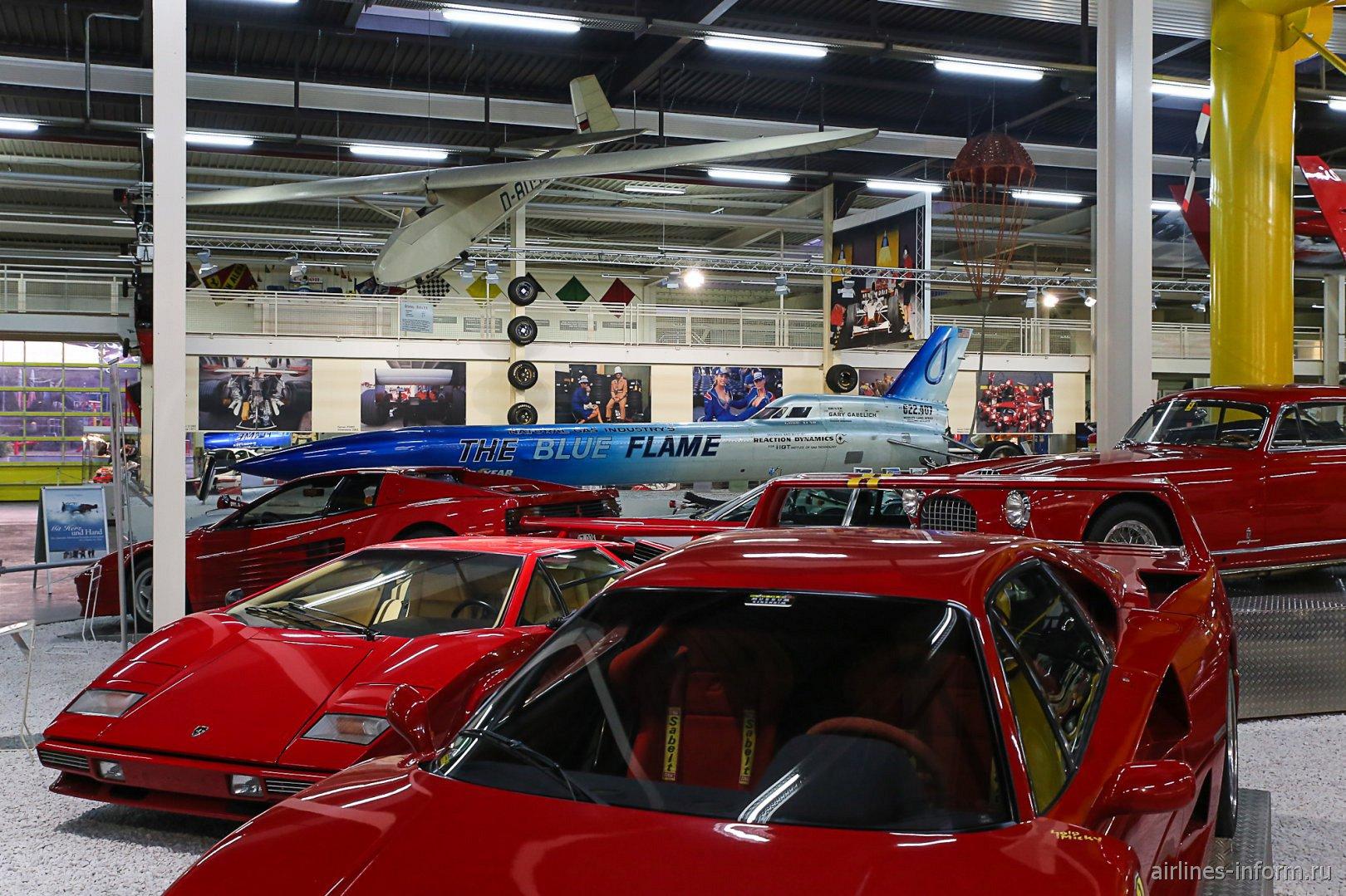 Автомобили Феррари в музее техники в Зинсхайме