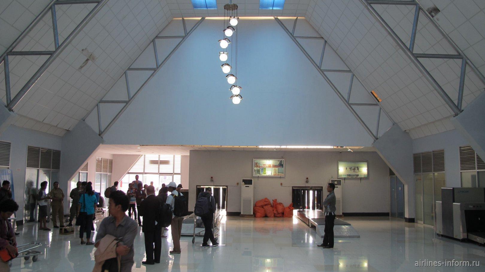 Зона выдачи багажа в аэропорту Лангур