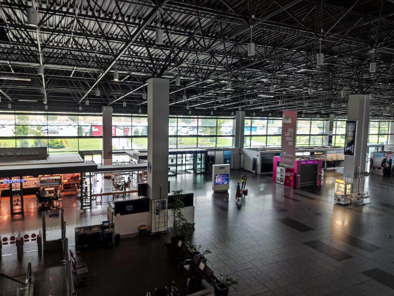 Вид внутри пассажирского терминала аэропорта Скопье