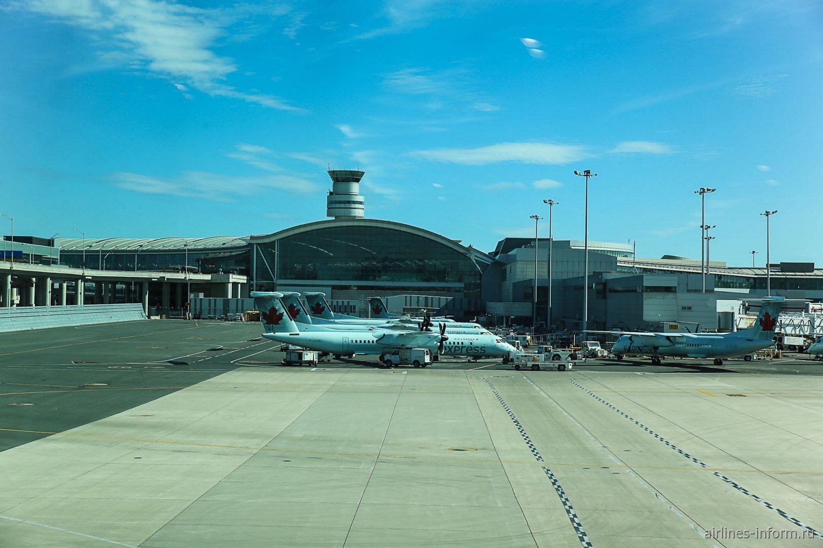 Терминал 1 аэропорта Торонто Пирсон
