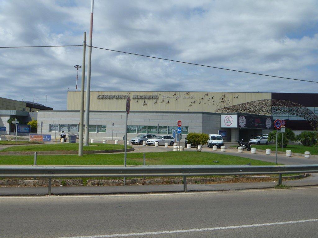 Аэровокзал аэропорта Альгеро Фертилия