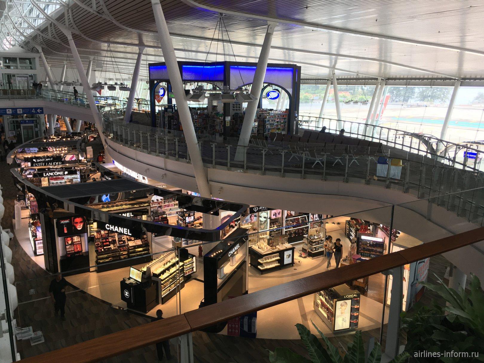 Магазины Duty-Free в зоне вылета аэропорта Пхукет