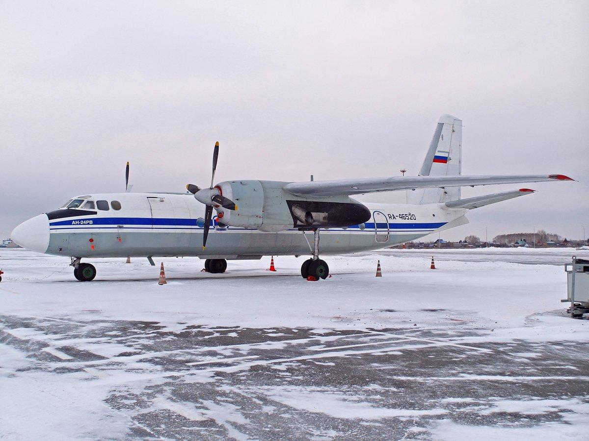 Самолет Ан-24РВ RA-46520 авиакомпании