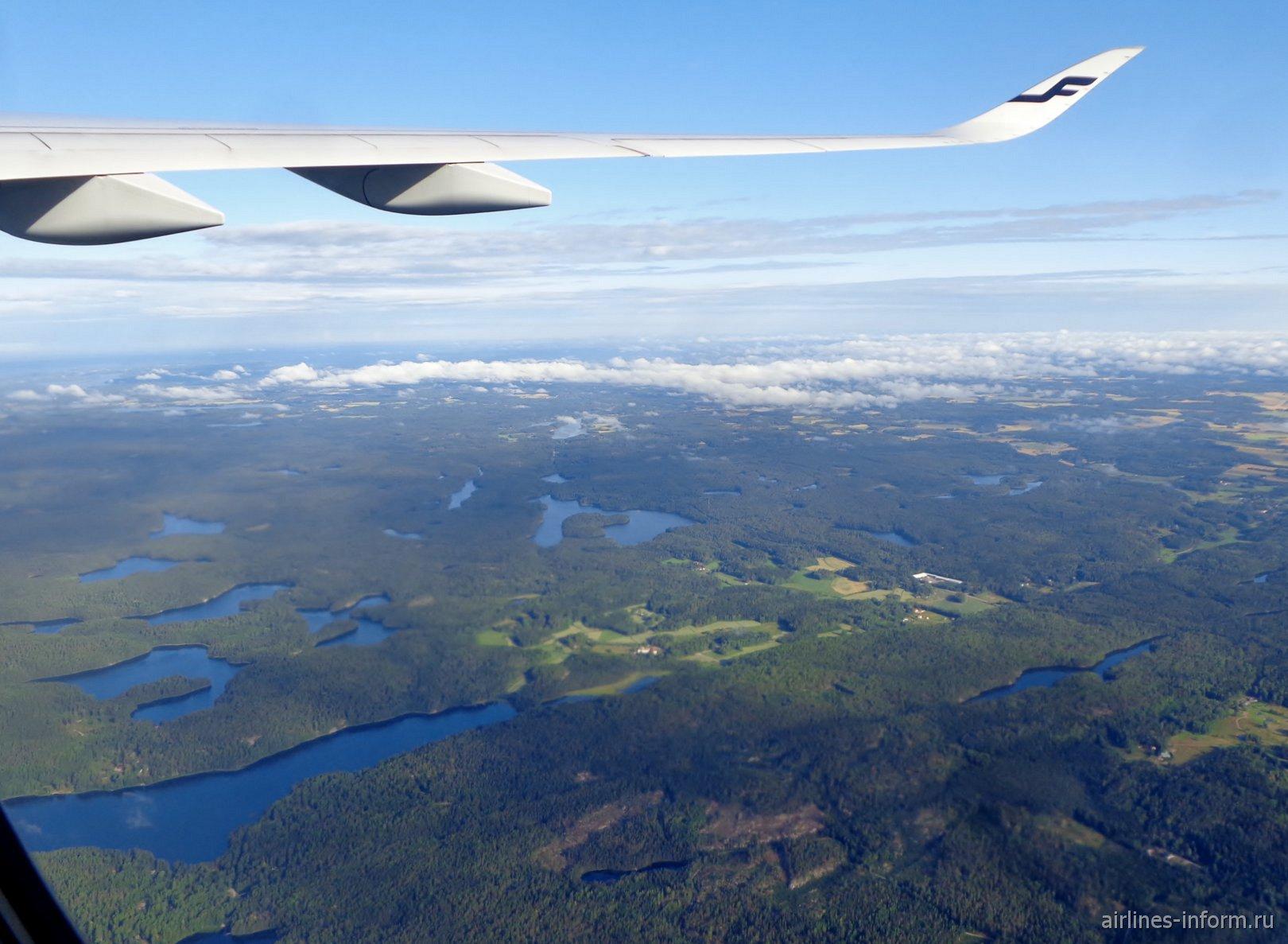 Бескрайние леса и озера в Финляндии