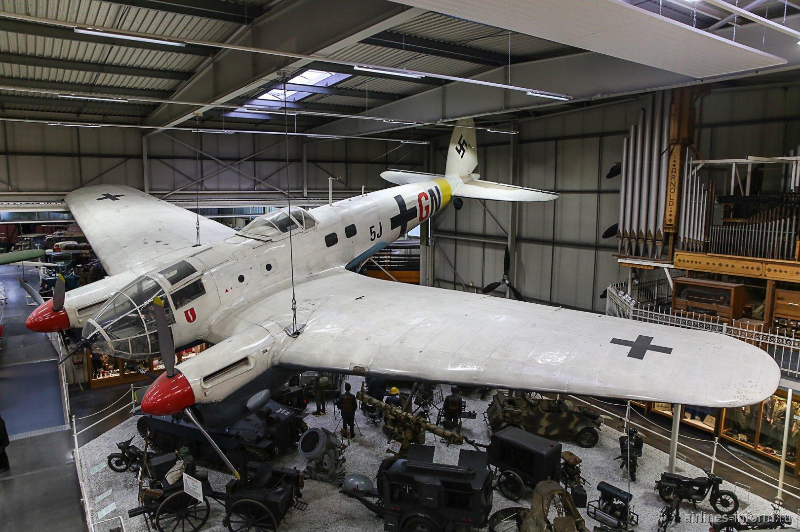 Бомбардировщик Хейнкель Хе-111 в музее техники в Зинсхайме