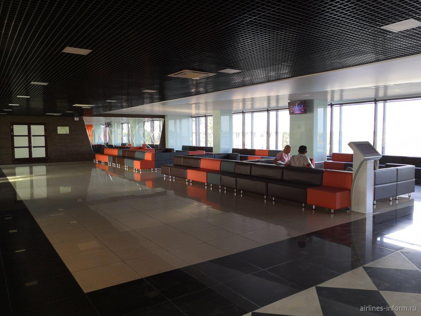 Зал ожидания в пассажирском терминале аэропорта Магнитогорск