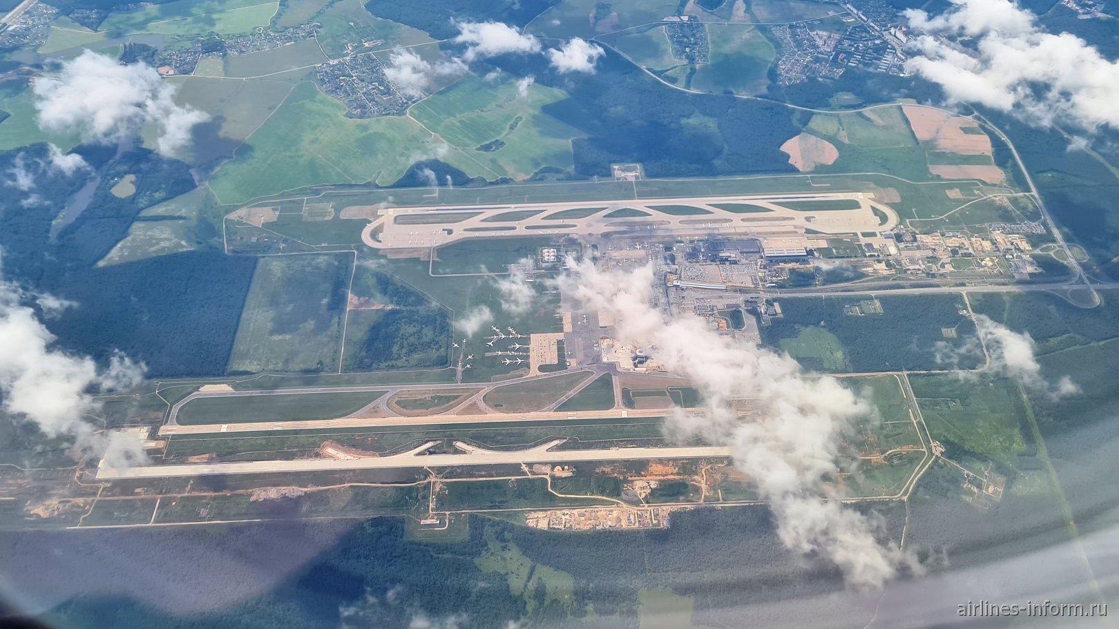 Вид сверху на аэропорт Москва Домодедово