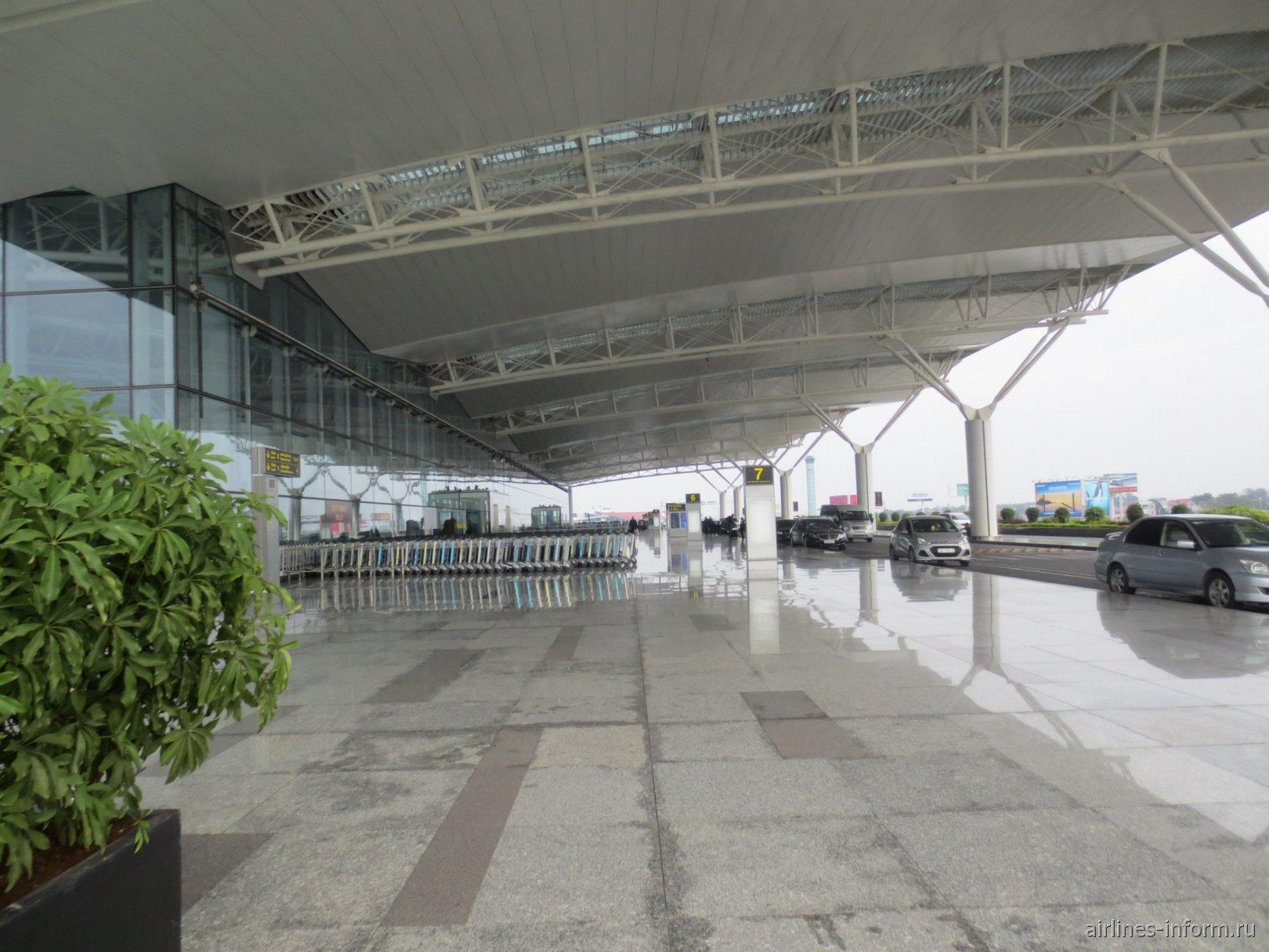 Международный терминал аэропорта Ханой Ной Бай