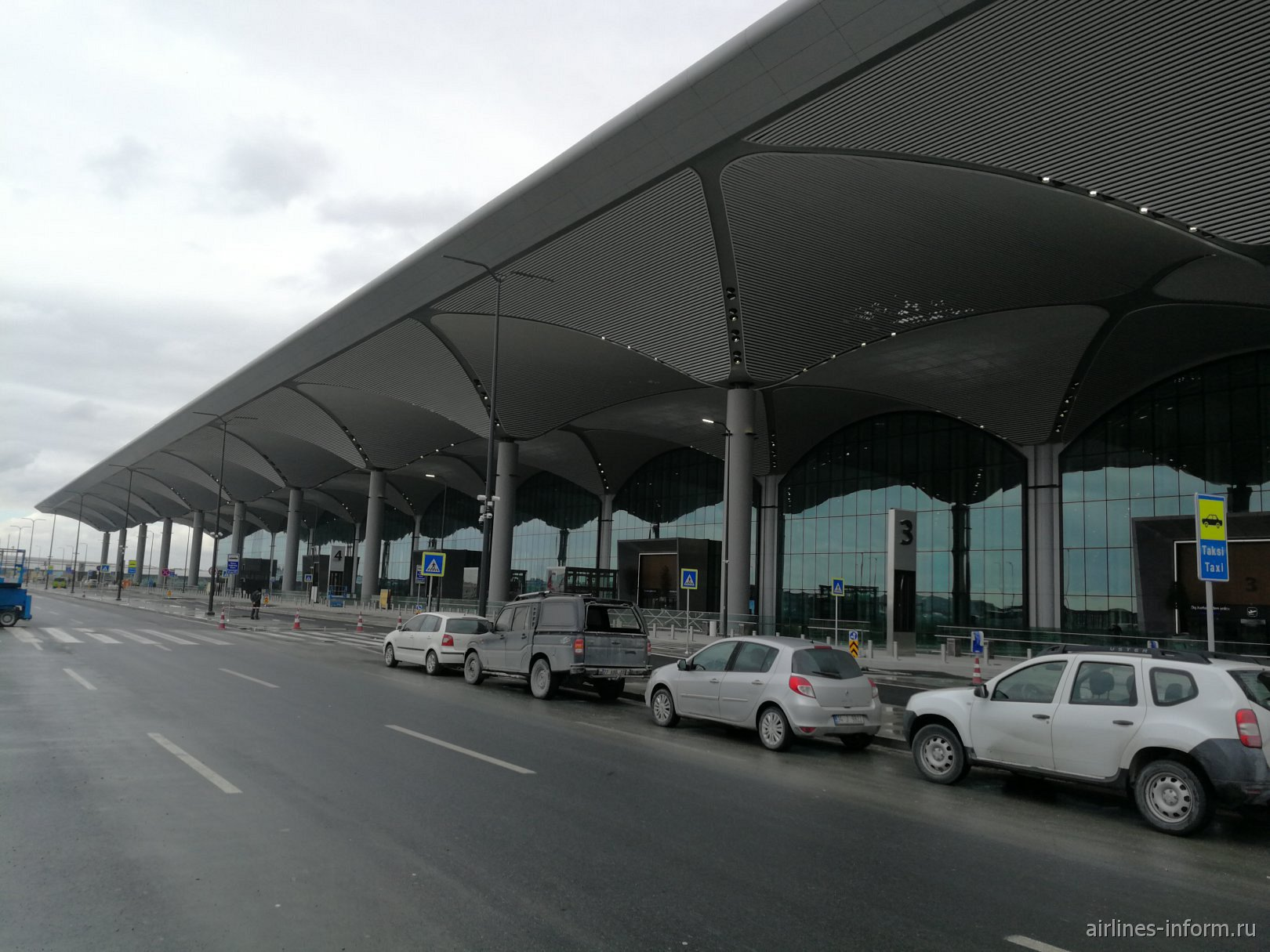 Пассажирский терминал аэропорта Стамбул Новый
