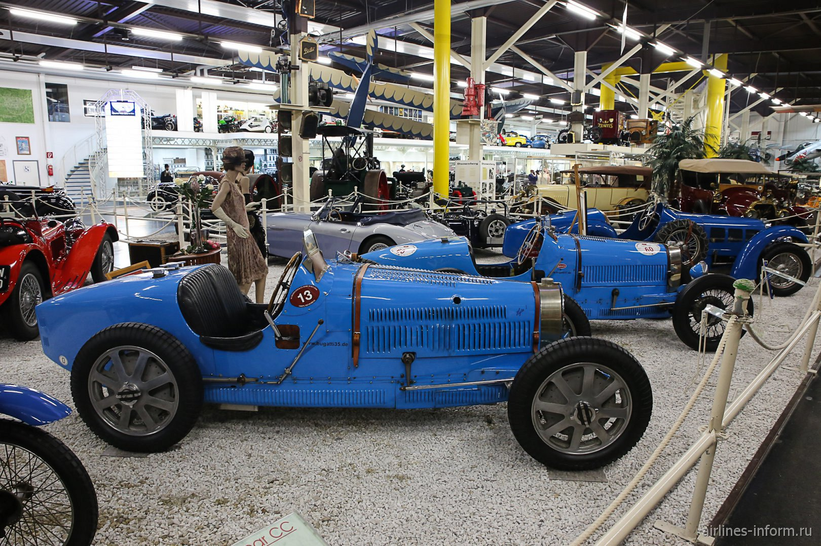 Автомобили Бугатти в музее техники в Зинсхайме