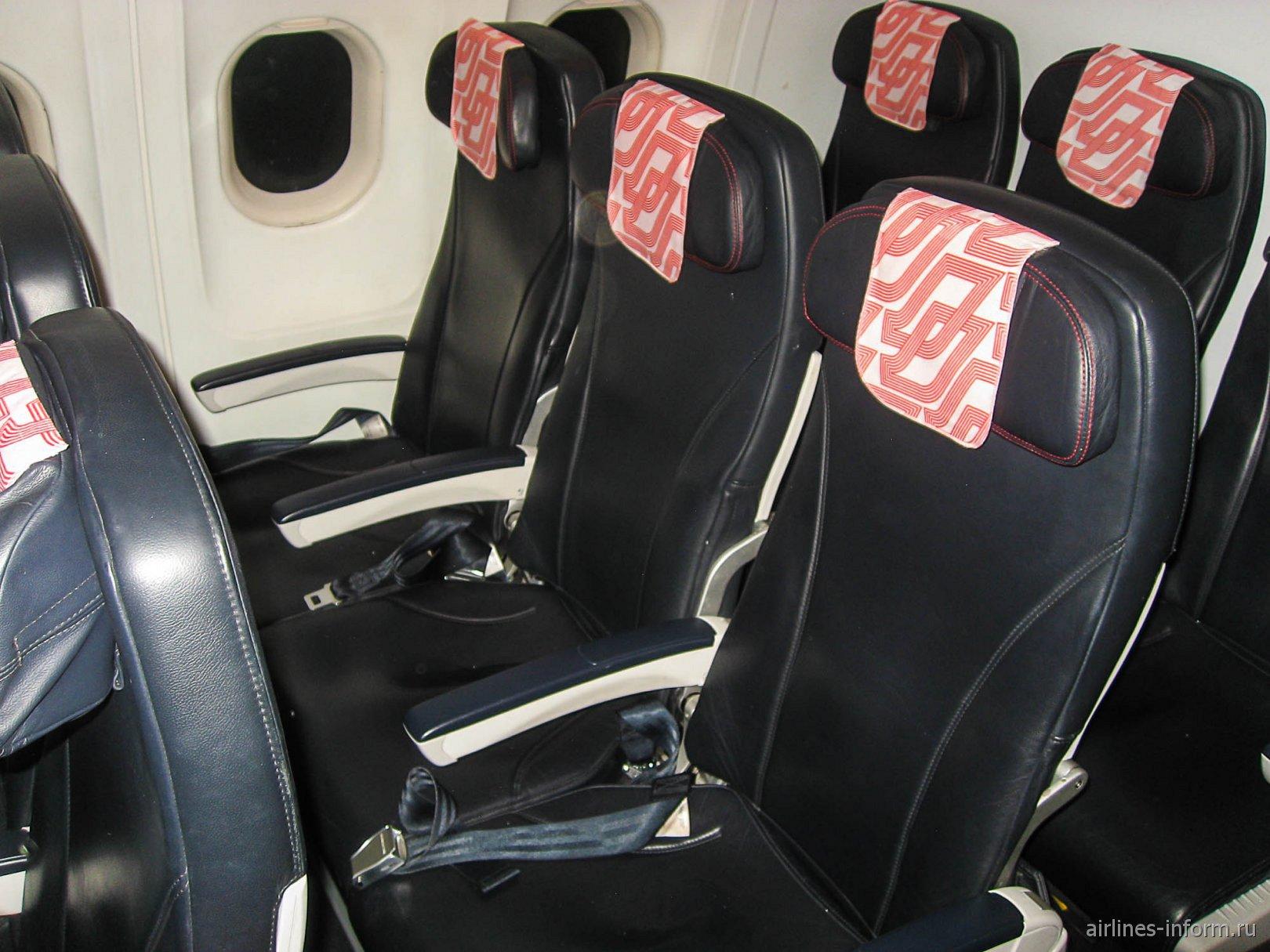 Пассажирские кресла в самолете Airbus A319 авиакомпании Air France