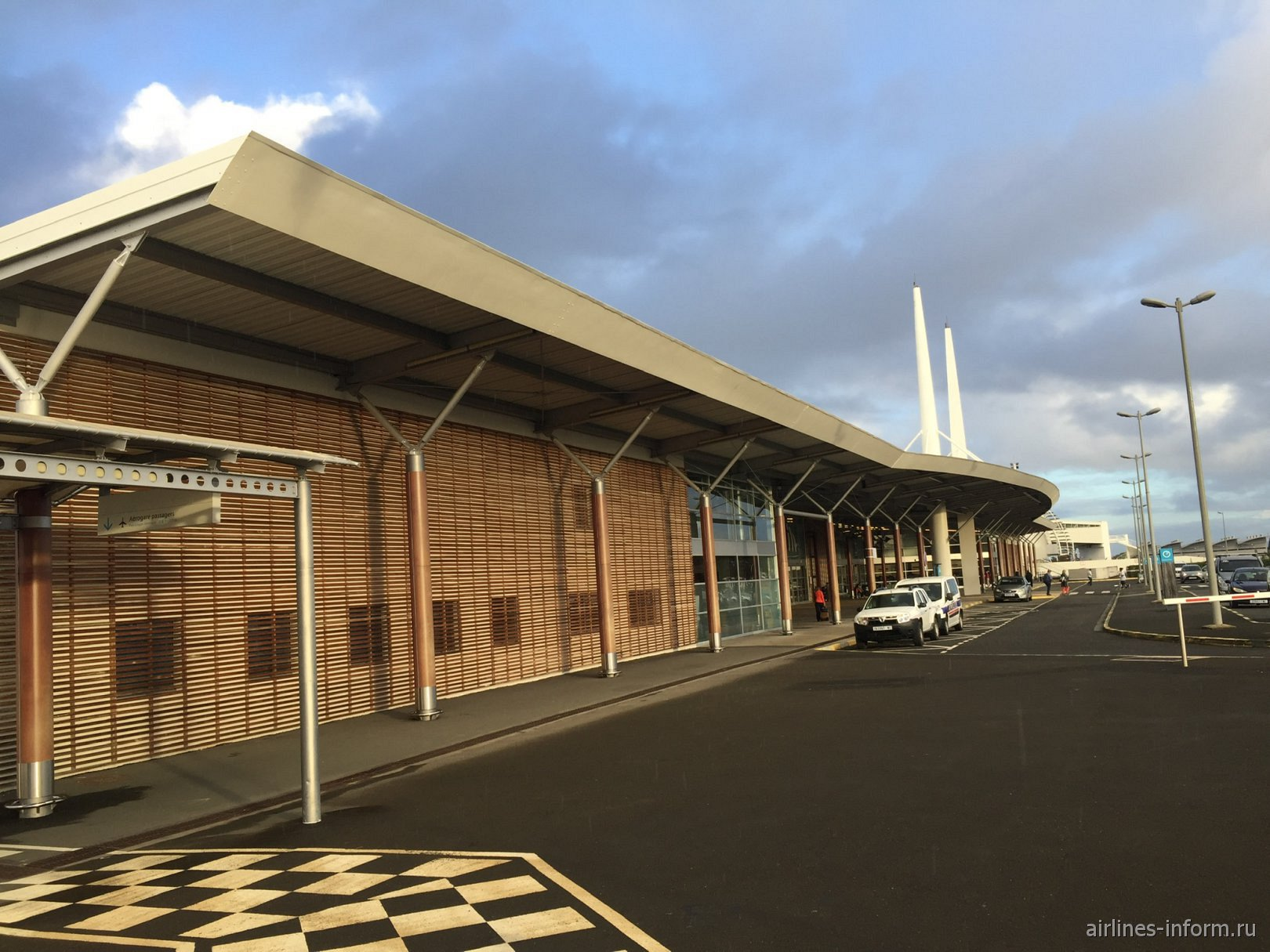 Пассажирский терминал аэропорта Нумеа Ла-Тонтута