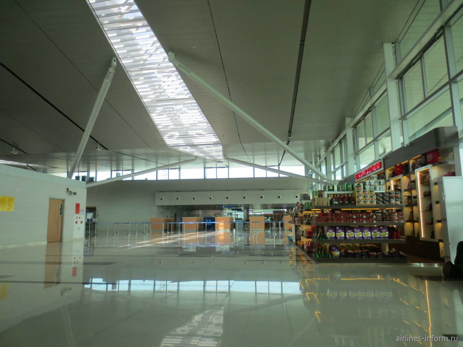 В пассажирском терминале аэропорта Фукуок