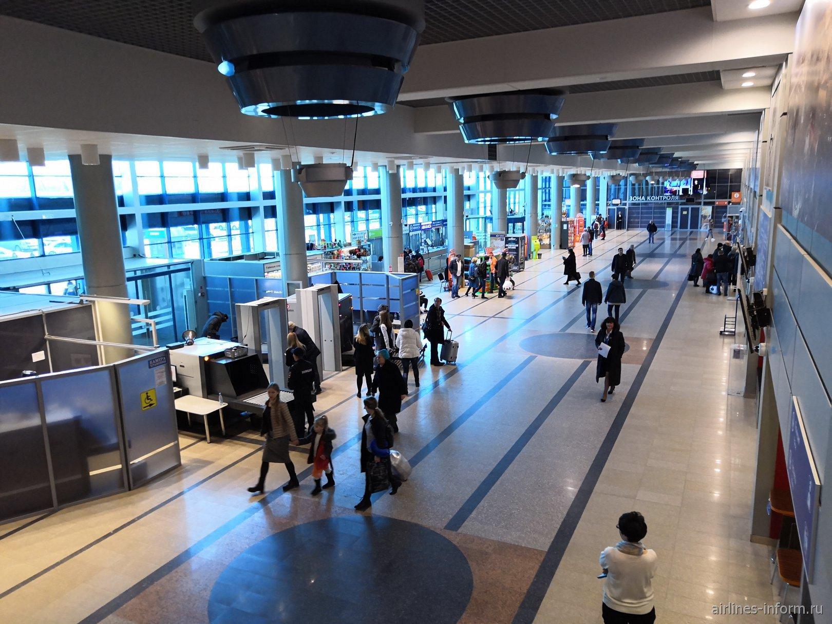 Общий вид терминала В аэропорта Омск Центральный