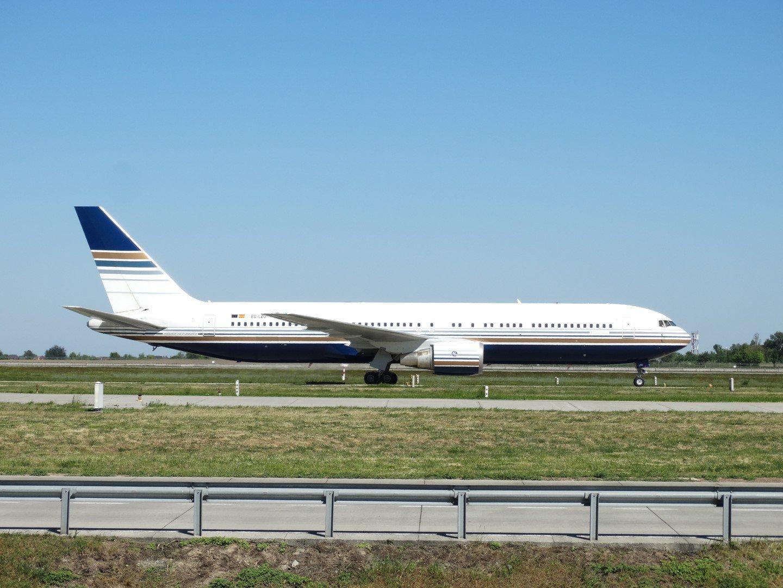 Boeing 767-300 EC-LZO авиакомпании Privilege Style в аэропорту Борисполь