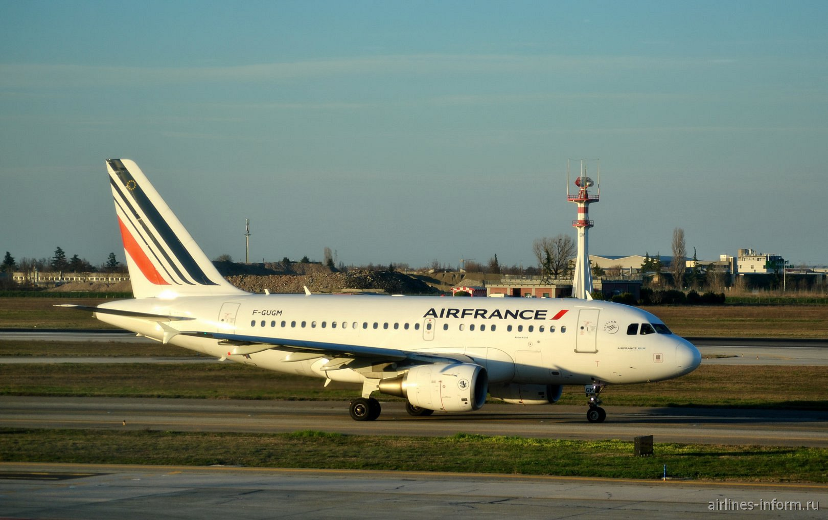 Airbus A318 F-GUGM авиакомпании Air France в аэропорту Болоньи