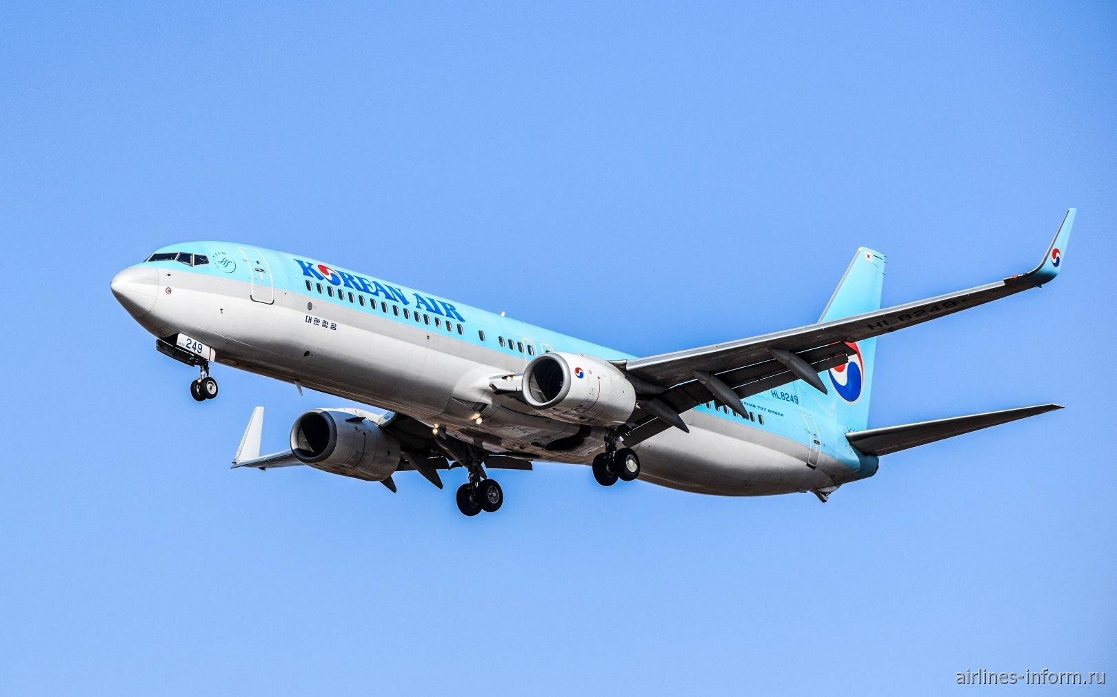 Самолет Boeing 737-900 HL8249 авиакомпании Korean Air