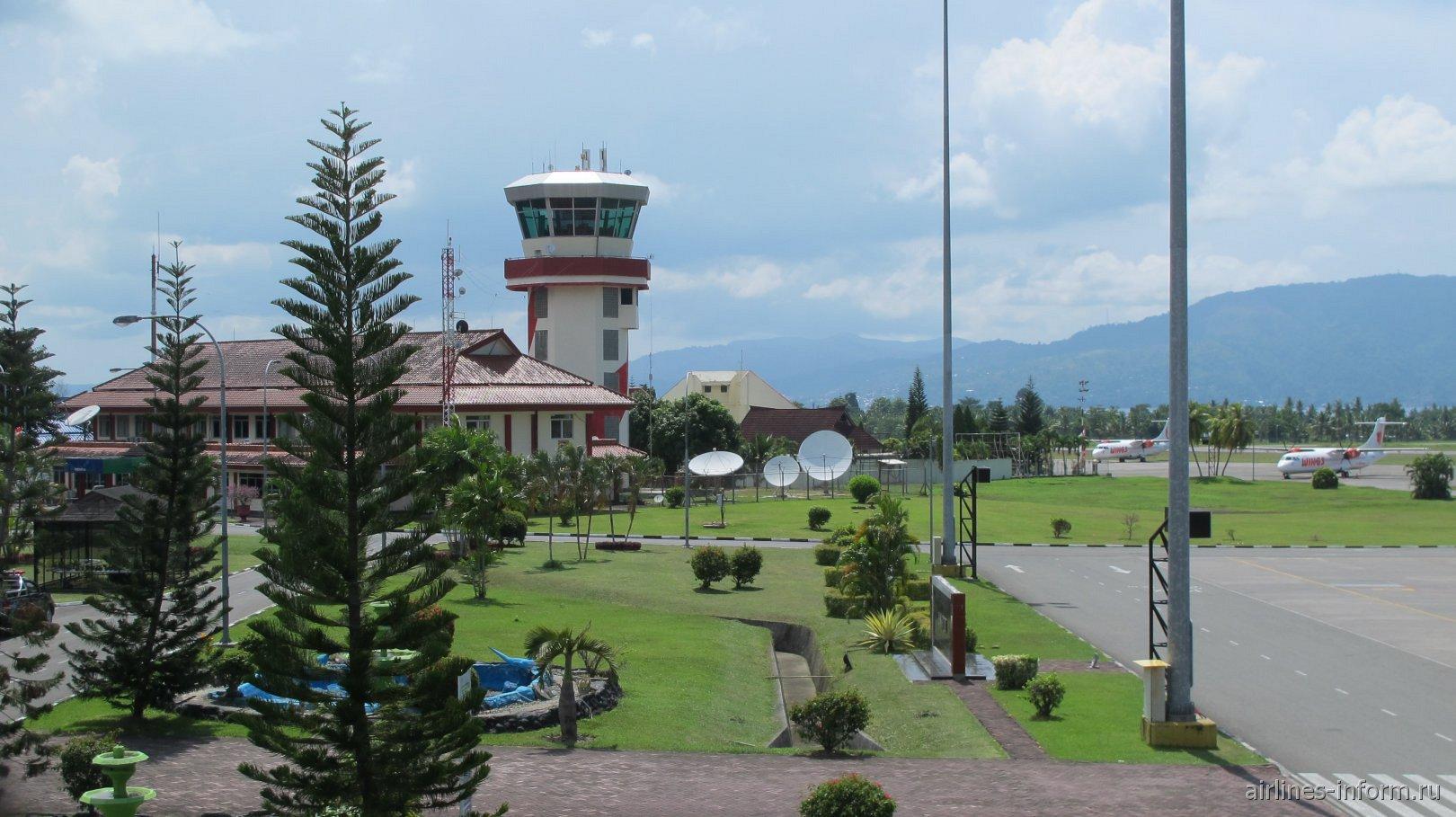 Башня управления аэропорта Паттимура