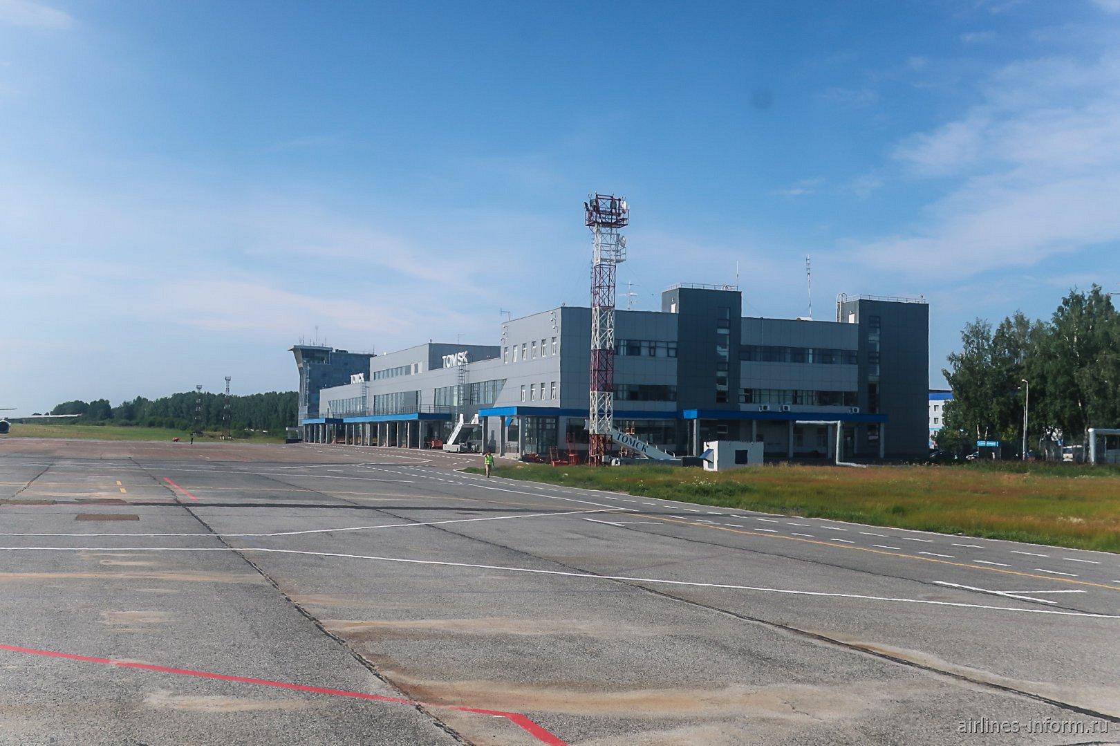 Пассажирский терминал аэропорта Томск