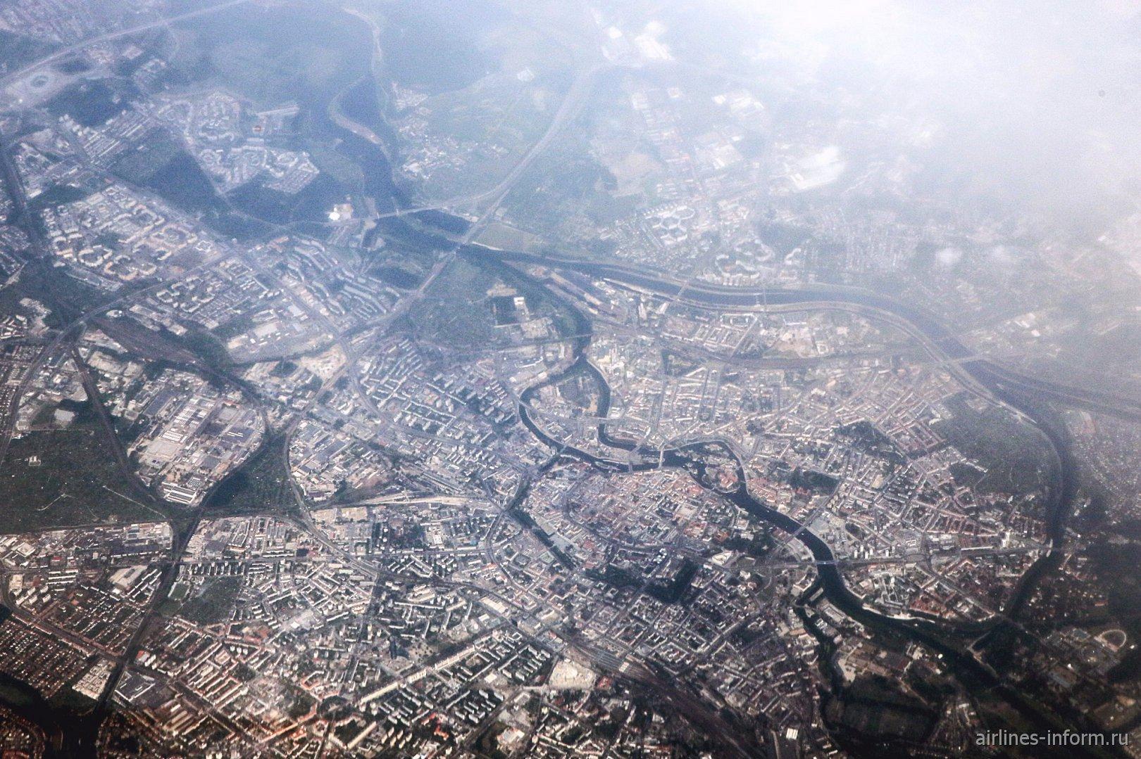 Вид из самолета на город Вроцлав