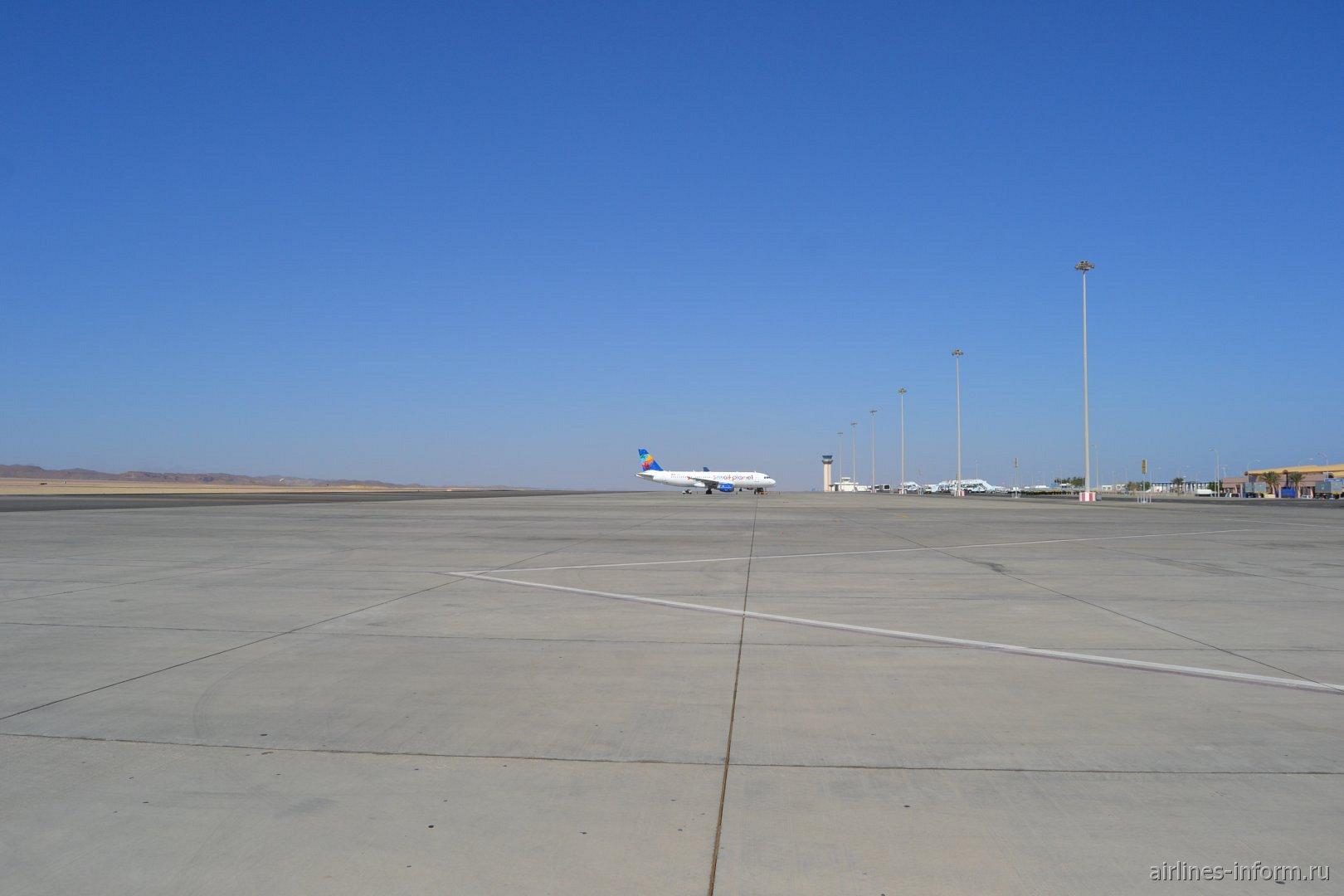 Летное поле аэропорта Марса-Алам